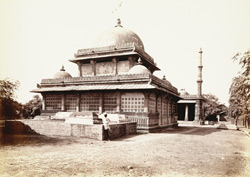 General view of Rani Sipri's Tomb, Ahmadabad 1756